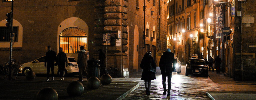 Pedestrians in the dark – Tips from IAM RoadSmart